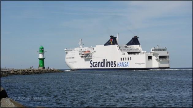 Westmole mit Faehrschiff MV, Scandlines HANSA
