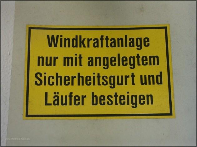 Sicherheitshinweis, Schild im Windrad, 2005