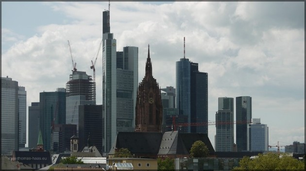 Frankfurter Skyline aus u ngewohnter Perspektive, Mai 2013