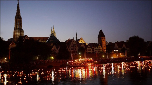 Lichterserenade auf der Donau, Juli 2013