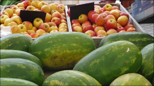 Wassermelonen auf dem Markt, Juni 2011