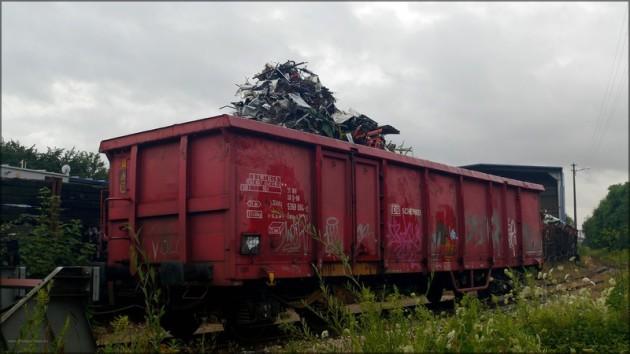Optisch überladener Güterwagen Schenker DB, Juli 2013
