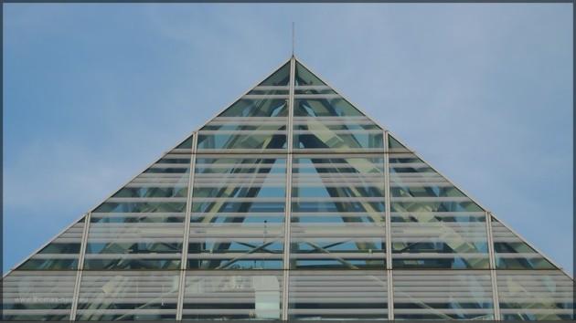 Glasspitze der Bibliothek, 2013