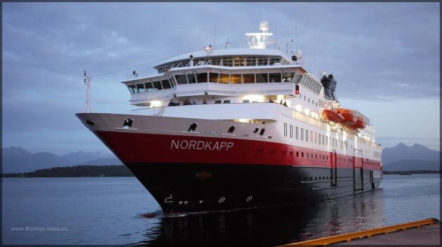 MS NORDKAPP am Anleger in Molde