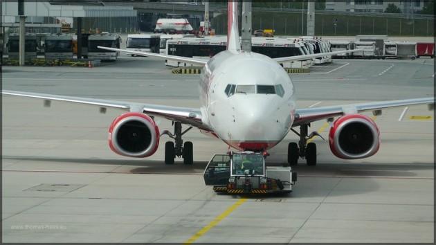 Boeing 737-300 AB am Flughafen MUC