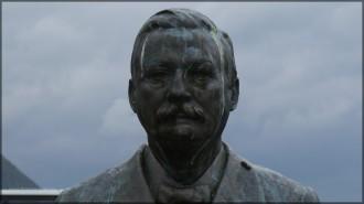 Statue des Kapitäns Richard With