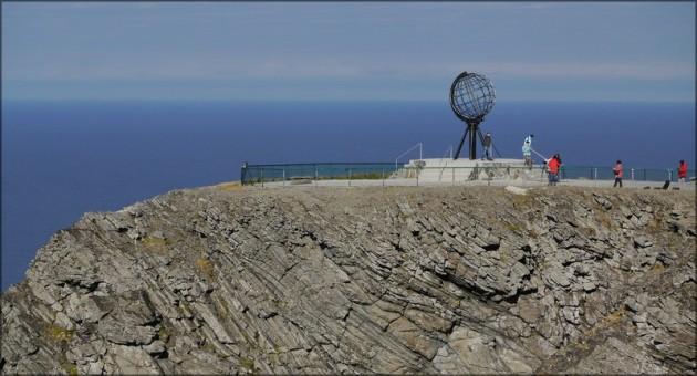 Nordkapfelsen mit Globus, September 2013