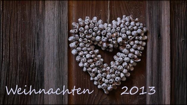 """Herz aus Eicheln mit Schriftzug """"Weihnachten 2013"""""""