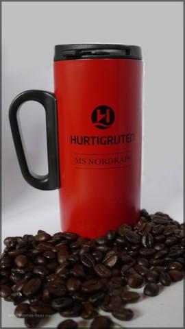 Hurtigruten-Kaffeebecher aus dem Abo...