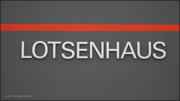Beschriftung des Lotsenhauses in Bremerhaven, Februar 2014