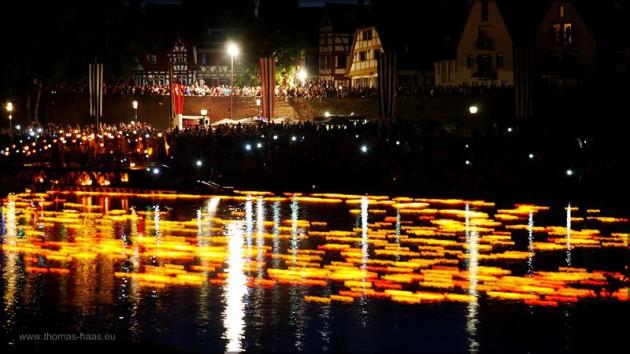 Llangzeitbelichtung, Lichter auf der Donau,  Lichterserenade, Juli 2014