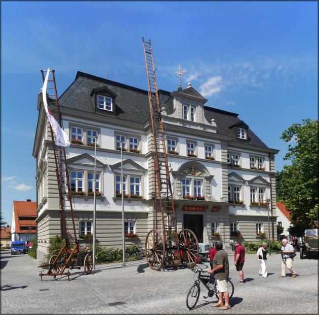 Leitern am Illertisser Rathaus, 150 Jahre Feuerwehr Illertissen, Juni 2014