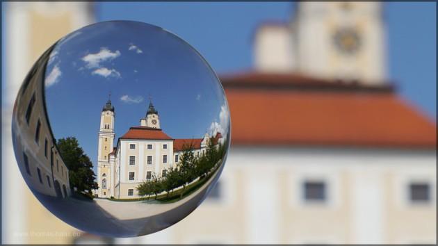 Ein Kugelbild aus dem Klosterhof Roggenburg, Juli 2014