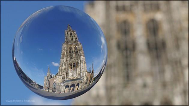 Das Ulmer Muenster als Kugelbild vom Muensterplatz, Juli 2014