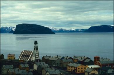 Kirche und Hafeneinfahrt, Hammerfest