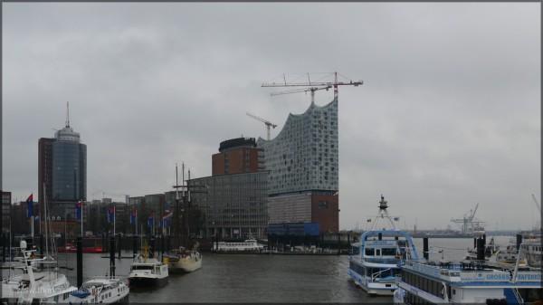 Kehrwiederspitze und Elbphilharmonie, Dezember 2014