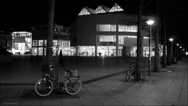 Der Münsterplatz in Ulm, einen Nachtaufnahme, Januar 2015