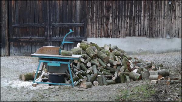 Brennholzherstellung, März 2015
