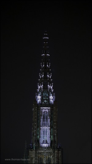 Der Hauptturm des Münsters, von innen beleuchtet, 2015
