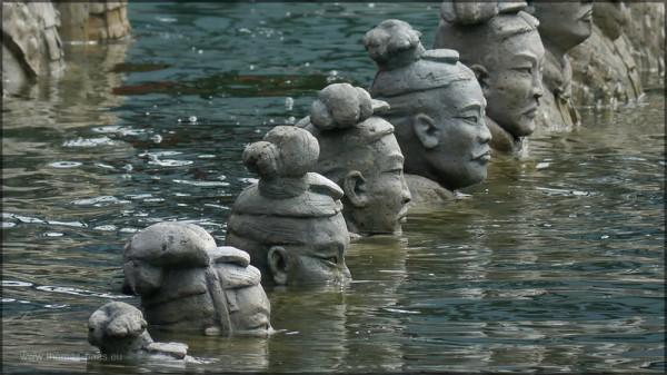 Die Armee im Wasser, Turandot, Bregenz 2015