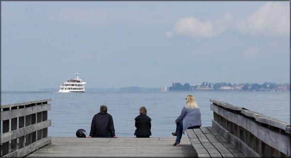 Blick auf See und Fahrgastschiff, Mai 2015