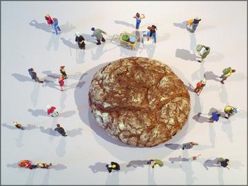 Preisser-Figuren und Brot