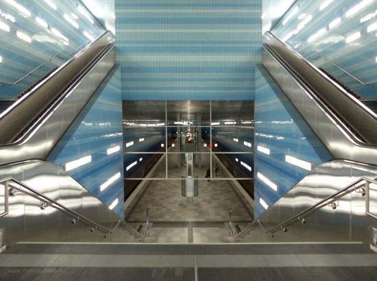 """Bahnsteighalle der U4-Station """"Überseequartier"""", Hamburg, September 2018"""