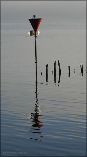 Warnzeichen auf dem See, Dezember 2015