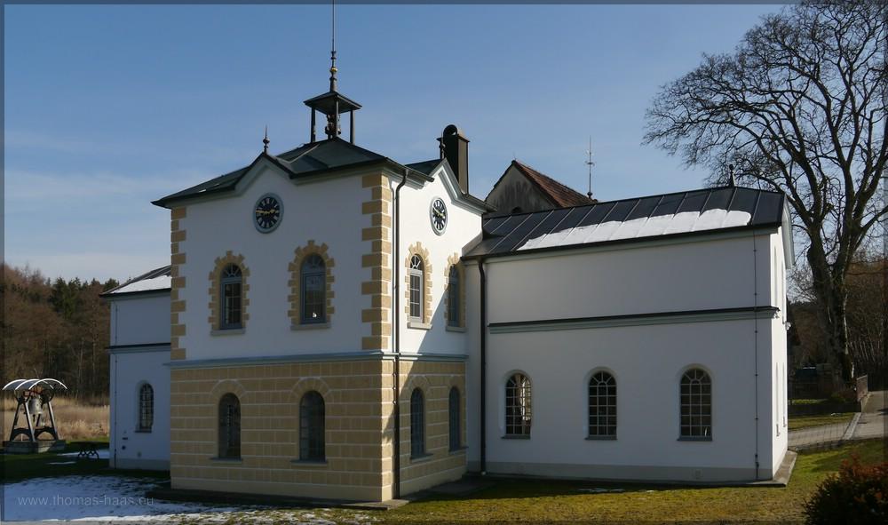 Gebäude der Turmührenfabrik Pechmann, Roggenburg-Messhofen, Februar 2016