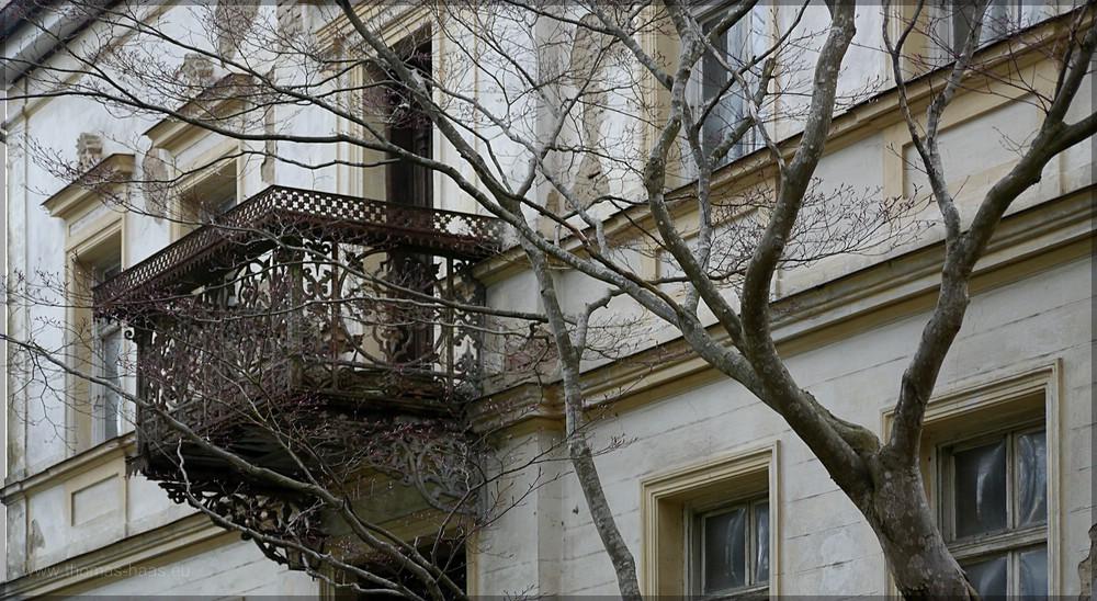 Balkon und Fassade, April 2016