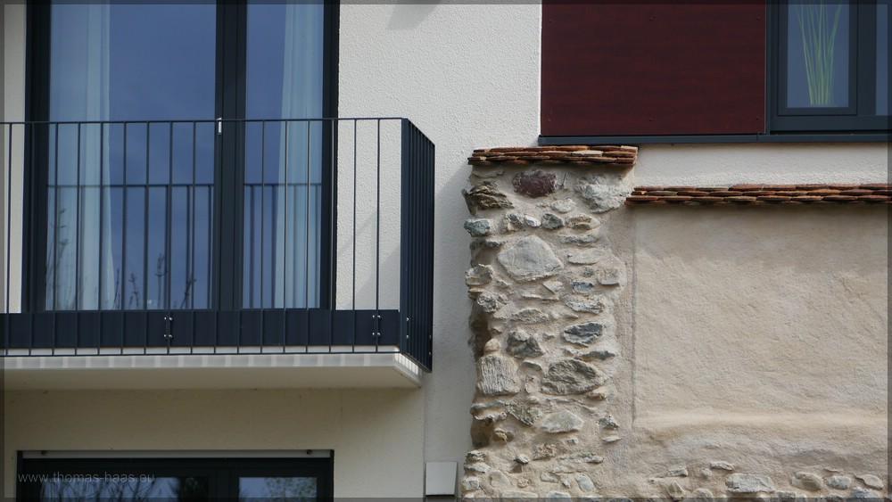 Neubau und Altbau, Kontraste im Stadtbild, April 2016