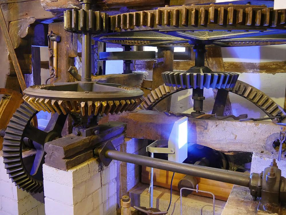 Zahnräder in modernem Licht, Mühle, 2016