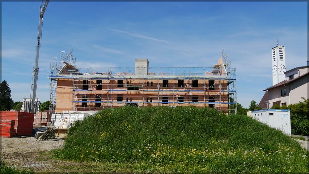 1. Riegelhaus, Ostseite, Mai 2016