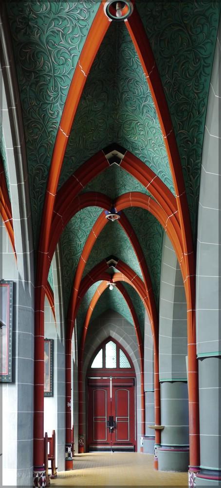 Georgskirche, Innen raum, Seitenschiff, Juni 2016