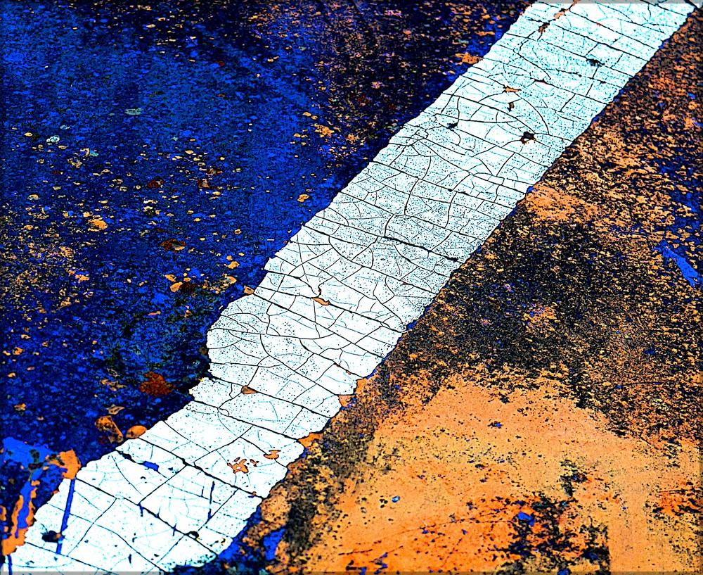 Detail der Klappe eines Abfallcontainers auf einer Großbaustelle, Bellenberg, August 2016