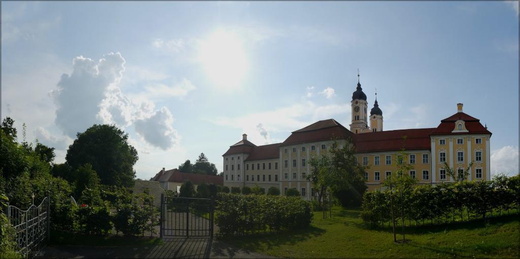 Panorama Südseite Kloster Roggenburg, August 2016