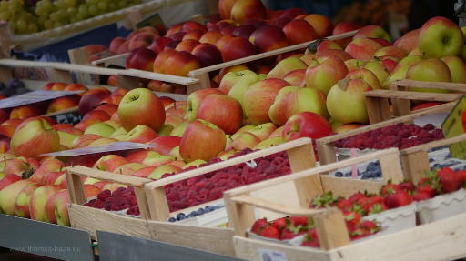 Äpfel und Nektarinen