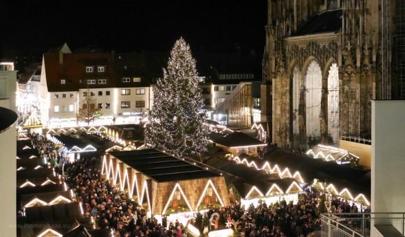 Blick vom Stadthaus auf den Weihnachtsmarkt
