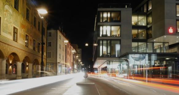 Bild des Monats, januar 2017, Langzeitbelichtung von einer Verkehrsinsel in Ulm fotografiert, Dez. 2016