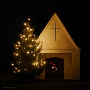 Urnenkapelle, Weihnachtsbaum, Friedhof Bellenberg