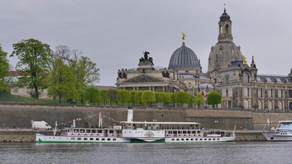 """Sächsische Dampfschifffahrt, Raddampfer """"Leipzig"""" in Dresden"""