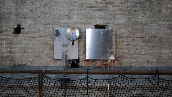 Über dem Gewölbe: Abhängung der Beleuchtungsanlage, ami 2017