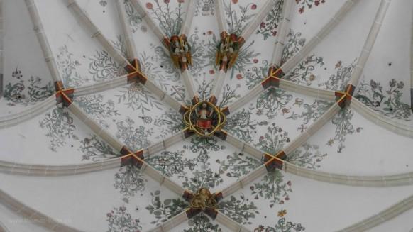 Blick in den Spiegel: Chorraum, Gewölbe, Juni 2017