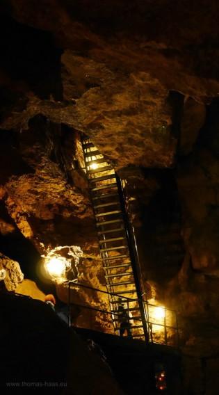 Abstieg in die Tiefenhöhle