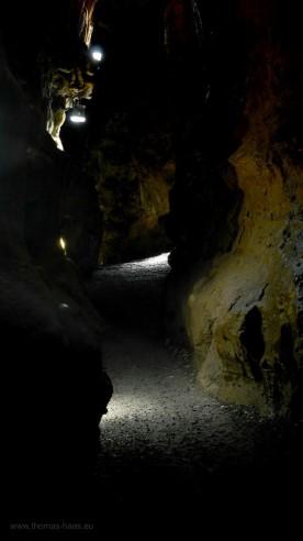Engstelle auf dem Weg durch die Höhle...