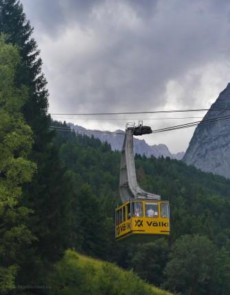 Die Gondel verlässt die Talstation, Alpspitzbahn, 2017