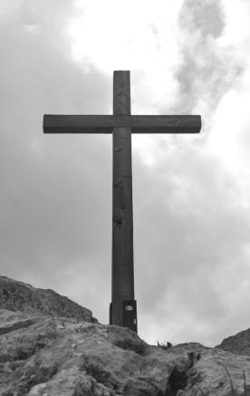 Bergkreuz in s/w