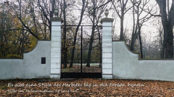 Tor zum Park mit Zitat, Hugo von Hofmannsthal