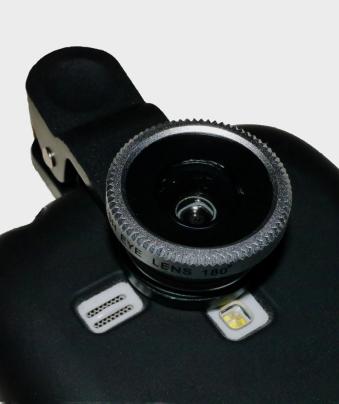 Beispielfoto Vorsatzlinse am Smartphone