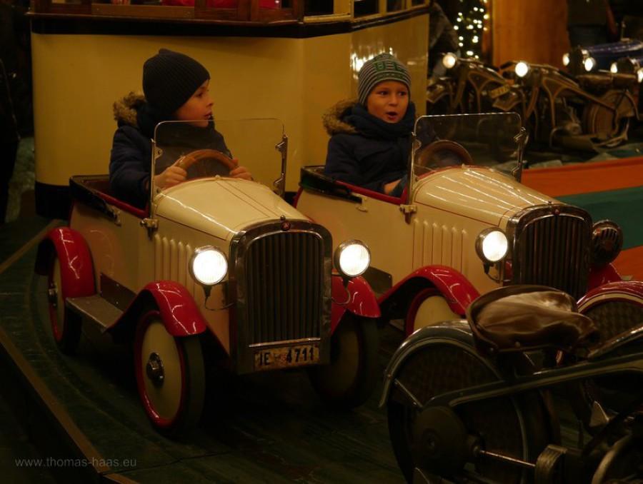 Karussell auf Weihnachtsmarkt
